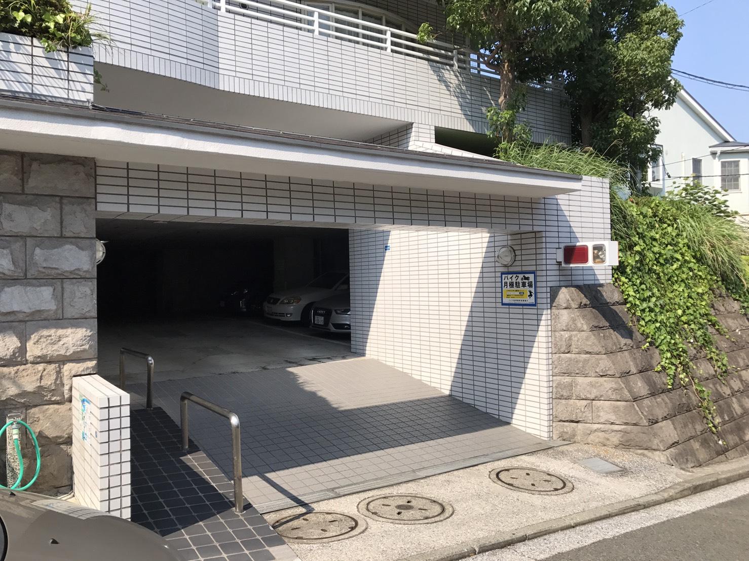 月極駐車場 磯子台スカイマンションの写真1