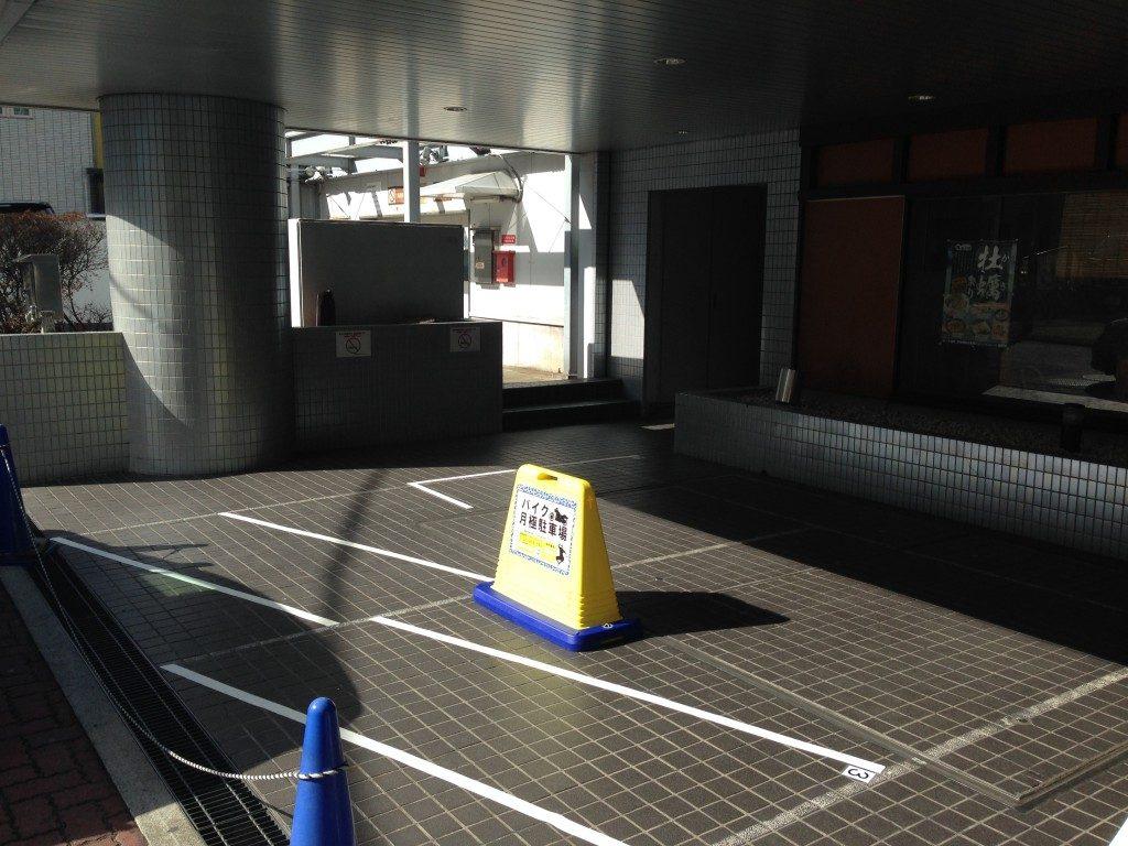 月極駐車場 高輪泉岳寺駅前ビルの写真1