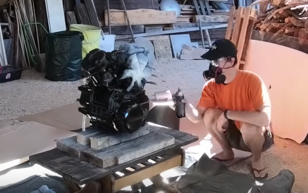GL400エンジン塗装